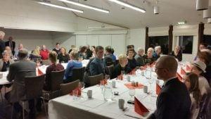 Middag med taler på 25 årsmubeleumsfest